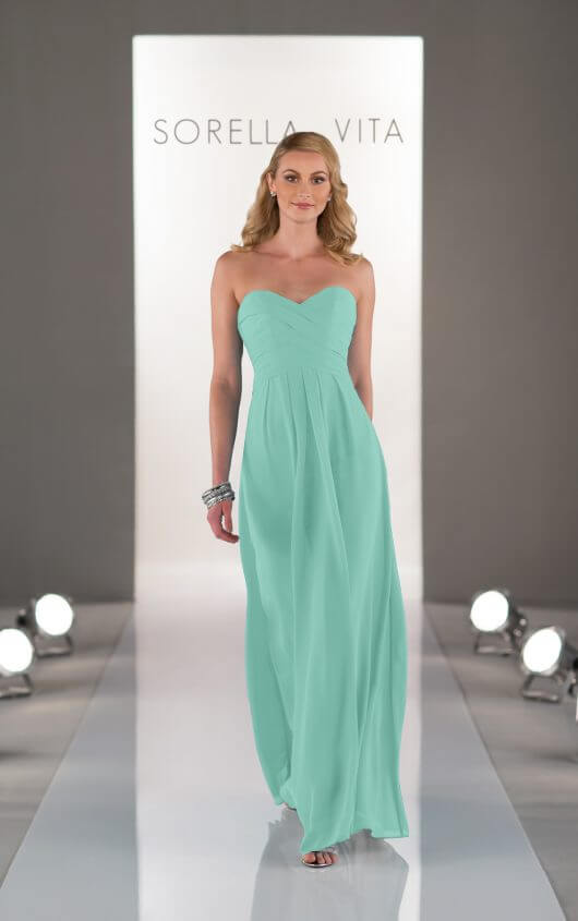 Style 8405 in Mint.